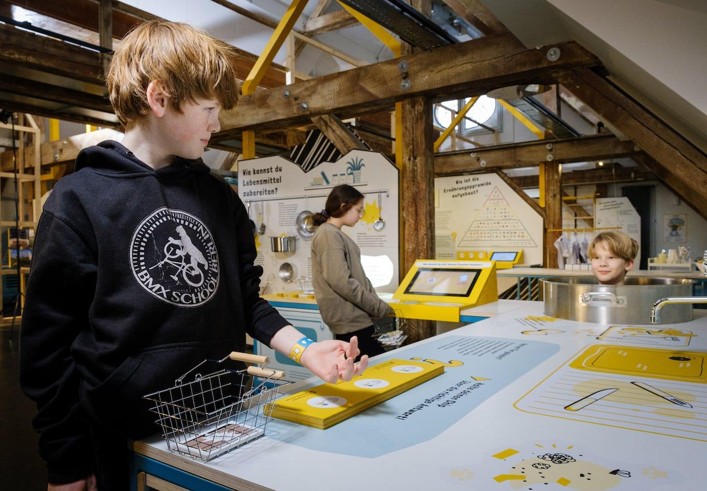 Kindermuseum unterm Dach für Familien mit Kindern in Berlin // HIMBEER