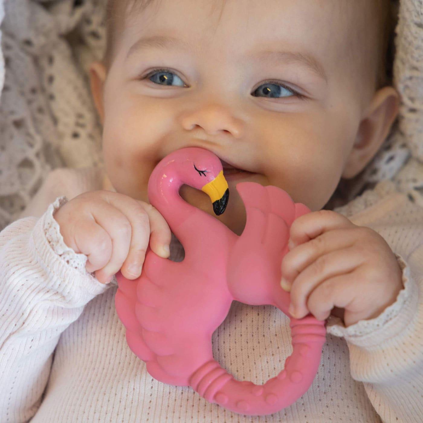 Baby-Lieblingssachen: Flamingo-Beißring aus Naturkautschuk // HIMBEER