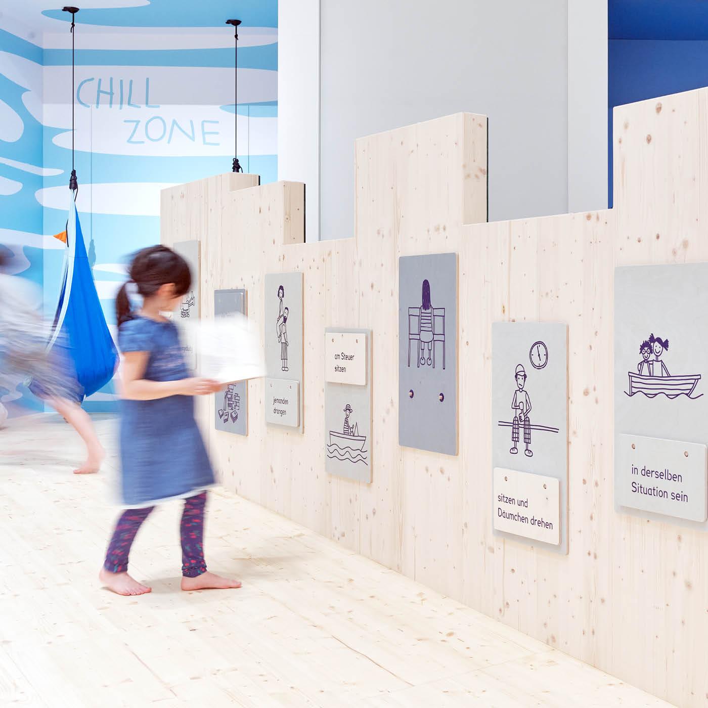 Humboldt Forum Ausstellung Nimm Platz Berlin mit Kind // HIMBEER