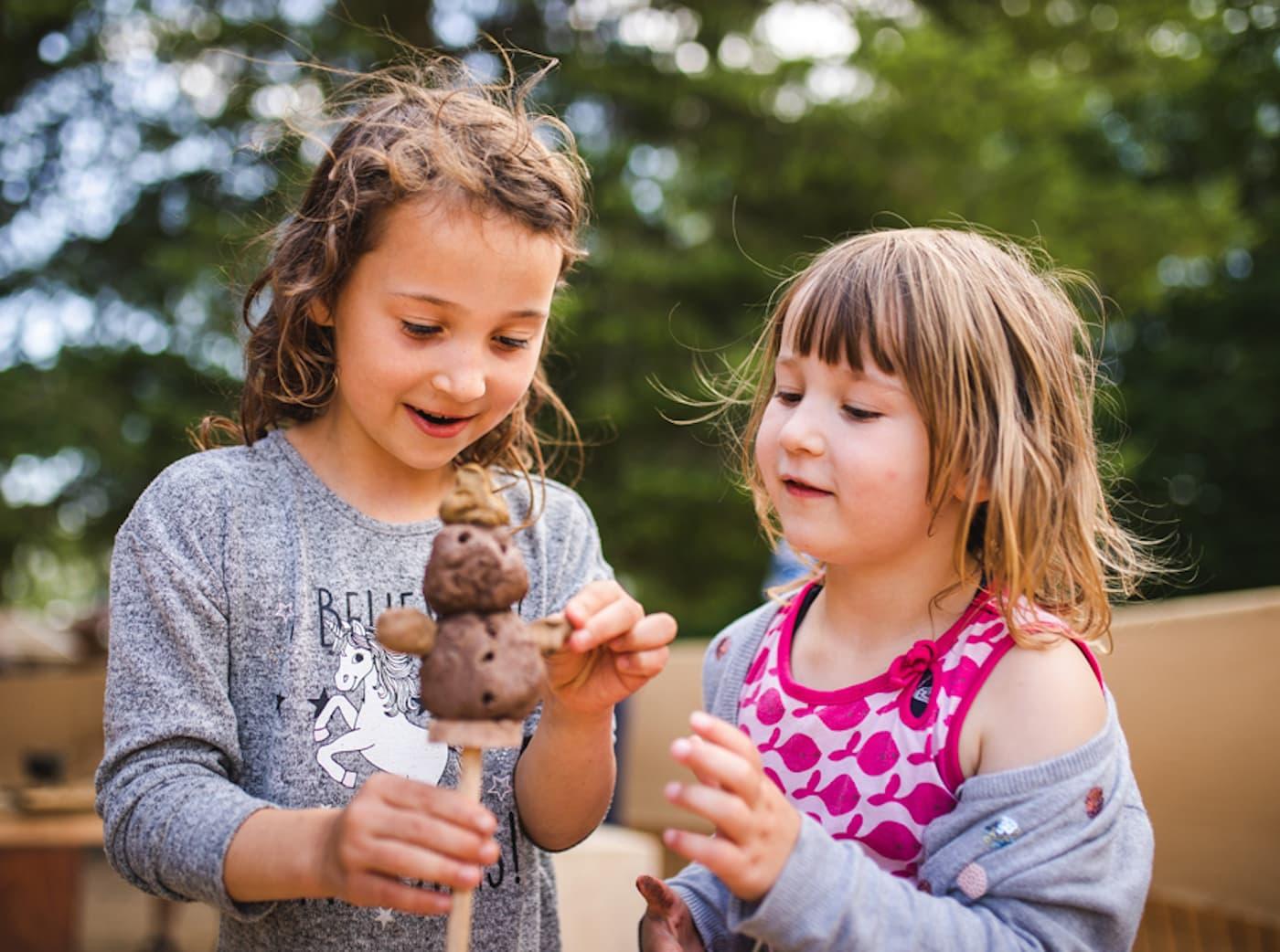 Lehmdorf im Britzer Garten mit Aktionen für Kinder in Berlin // HIMBEER