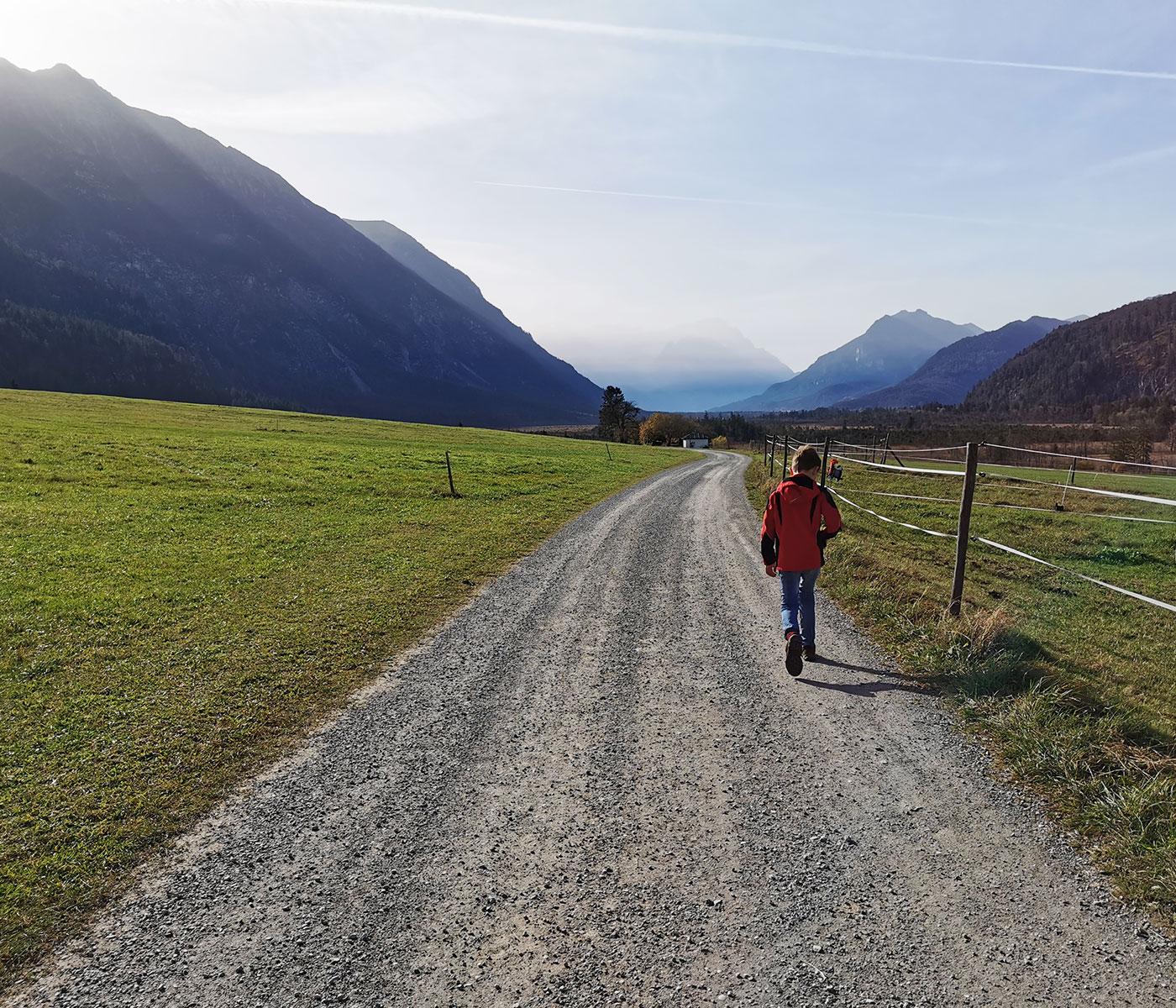 Sieben-Quellen-Sagenspaziergang: Kinderwagentaugliche Spaziergänge im Zugspitz-Land // HIMBEER