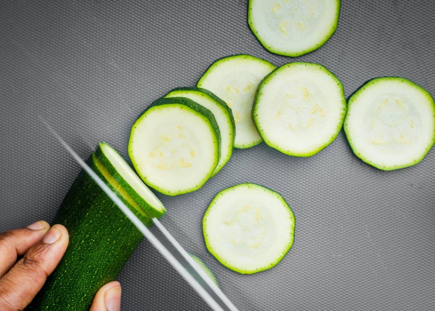 Zucchini schneiden // HIMBEER