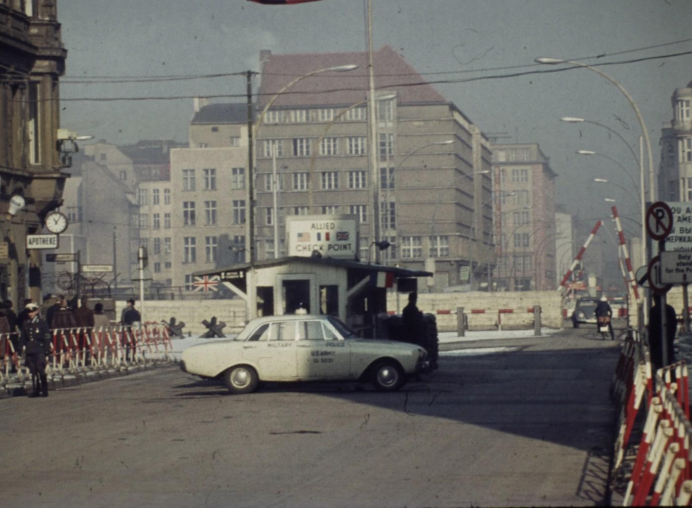 Filme für Kinder zum Mauerbau in Berlin // HIMBEER