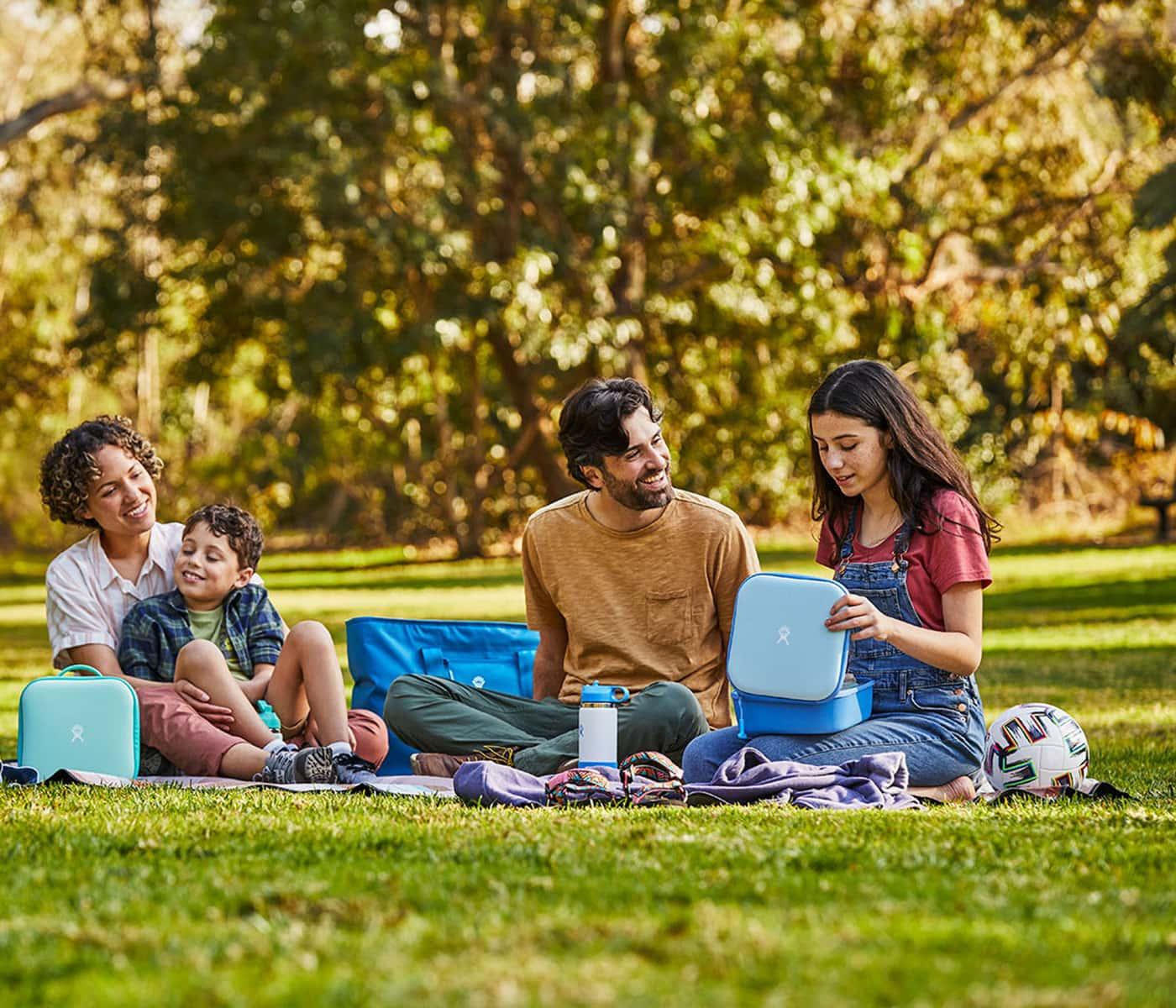 Familienausflug ins Grüne mit einem schönen Picknick verbinden // HIMBEER