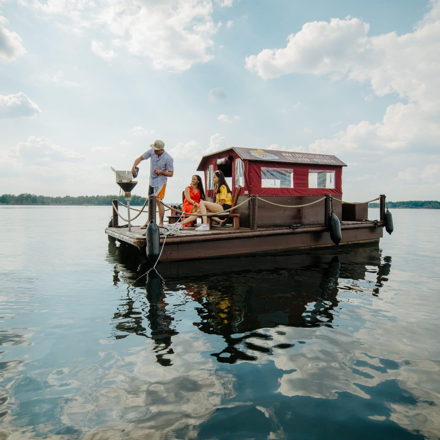Brandenburg-Berlin-Ticket: Floßtour auf dem Senftenberger See // HIMBEER