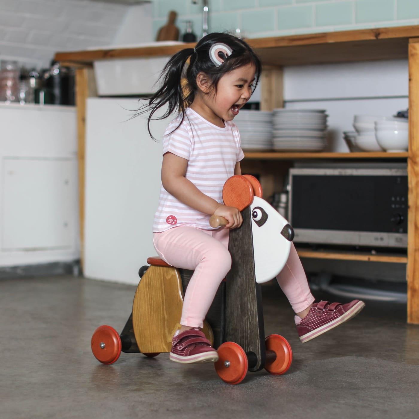 Lauflern- und Schaukeltiere aus Holz für Kleinkinder von Tede // HIMBEER
